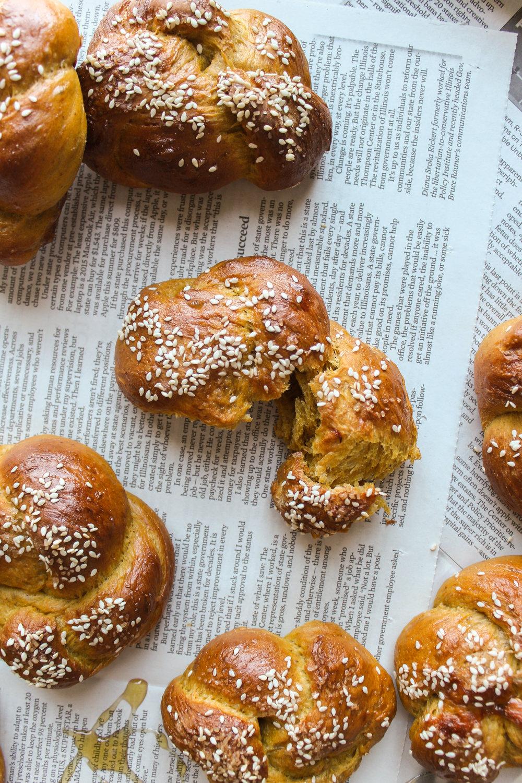 Pumpkin challah rolls 5.jpg