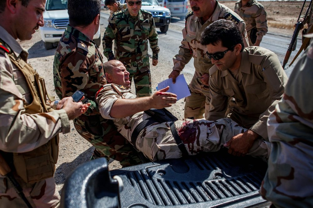 Wounded-Peshmerga-evacuated.jpg