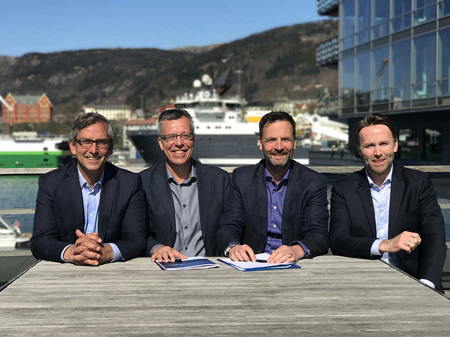 From left: Michael Jacobs, CEO, Atea Norge - Einar Vaage, Regional director Atea - Thomas Thiis, CEO, Validér - Stein A. Larner, CEO, Com4