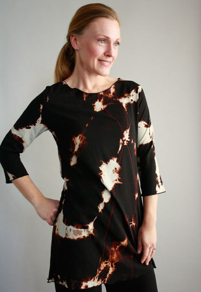 Jennythreads - Asheville, NC.  Hand-dyed, stamped, & sewn tunics, scarves, & wraps for women.