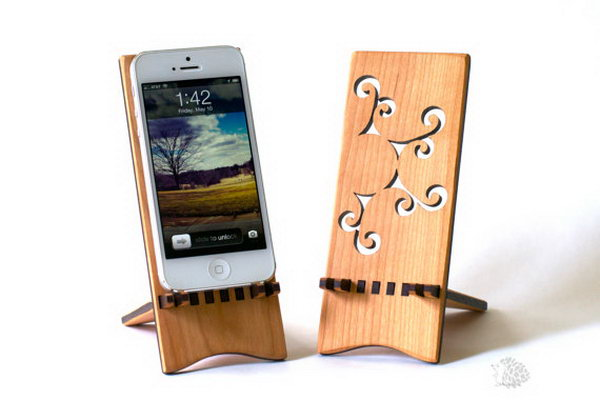 30-diy-iphone-stands-and-tripods.jpg