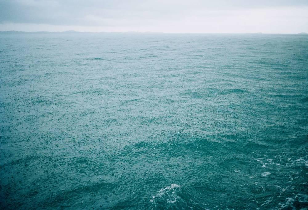07_Rainy_Sea.jpg