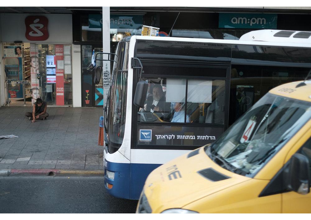 Israelian entering bus