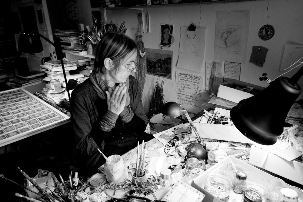 Marie dans son atelier principal au Petit Abergement en 2008.