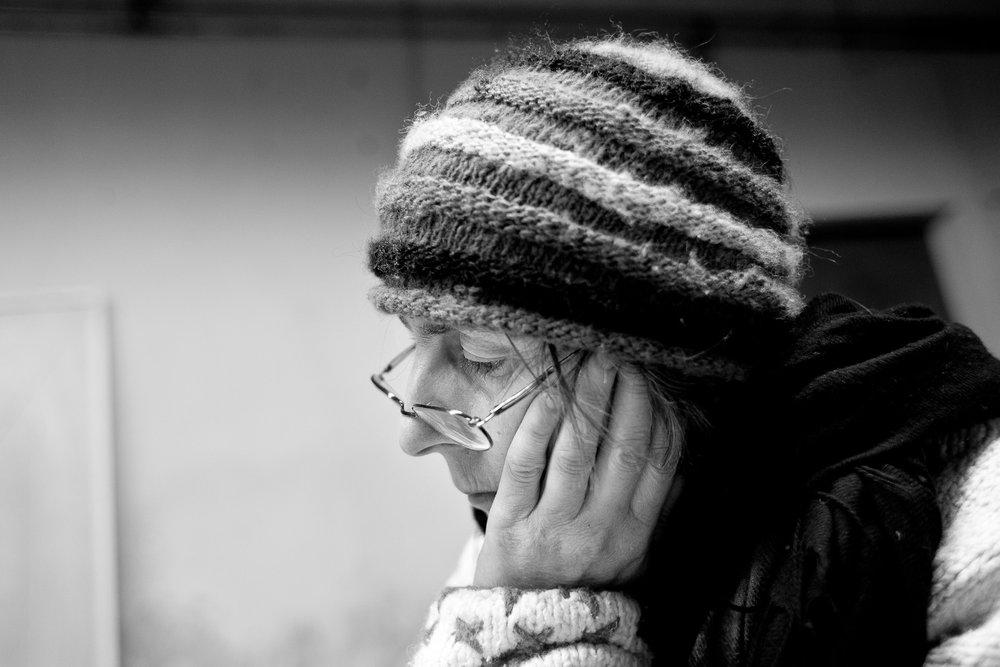 Marie dans son atelier du Petit-Abergement, Ain, Janvier 2009. Photo Pierre Morel.