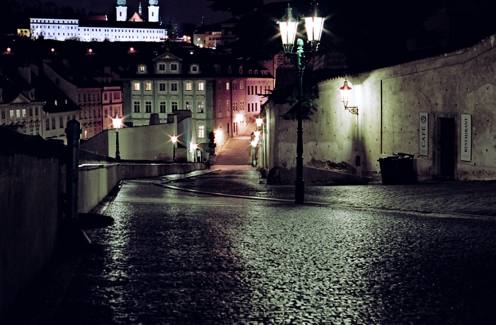 prague_streets_night_35mm_flyotw