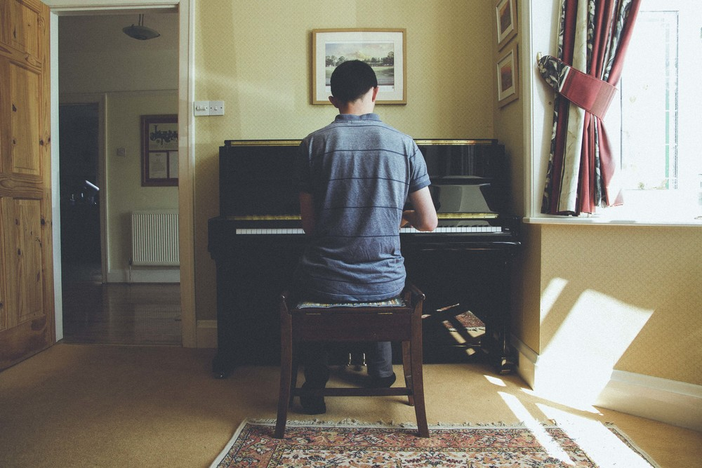 toby-nelms_piano_flyotw