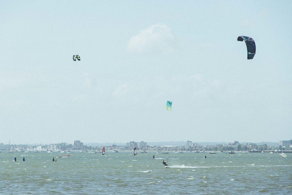 toby-nelms_poole-harbour_kite-surfing_flyotw