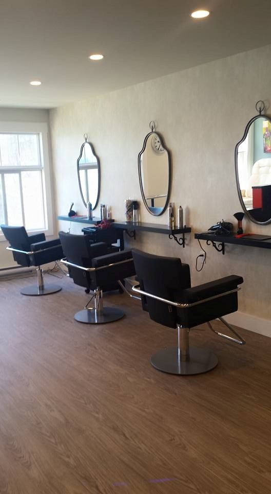 salon chairs and mirrors.jpg