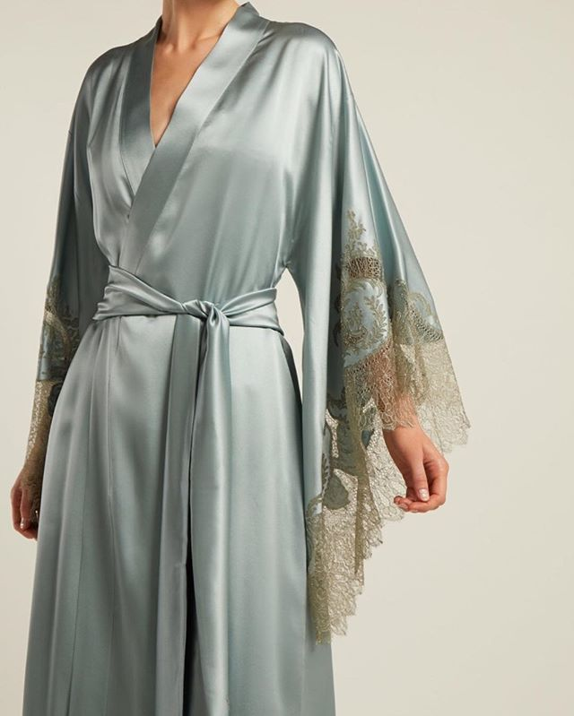 Shop the all new Carine Gilson Lace Trimmed Silk Robe today! We are absolutely loving this soft blue! 😍💙