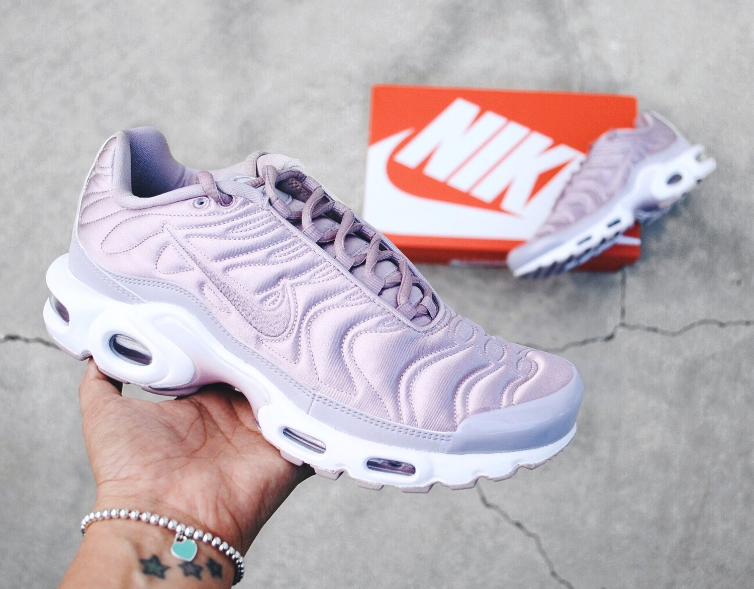 new products wholesale price a few days away Nike Air Max Plus Satin