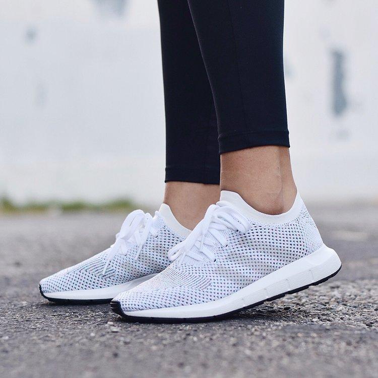 adidas Originals White Swift Run PK Sneakers rbkiY