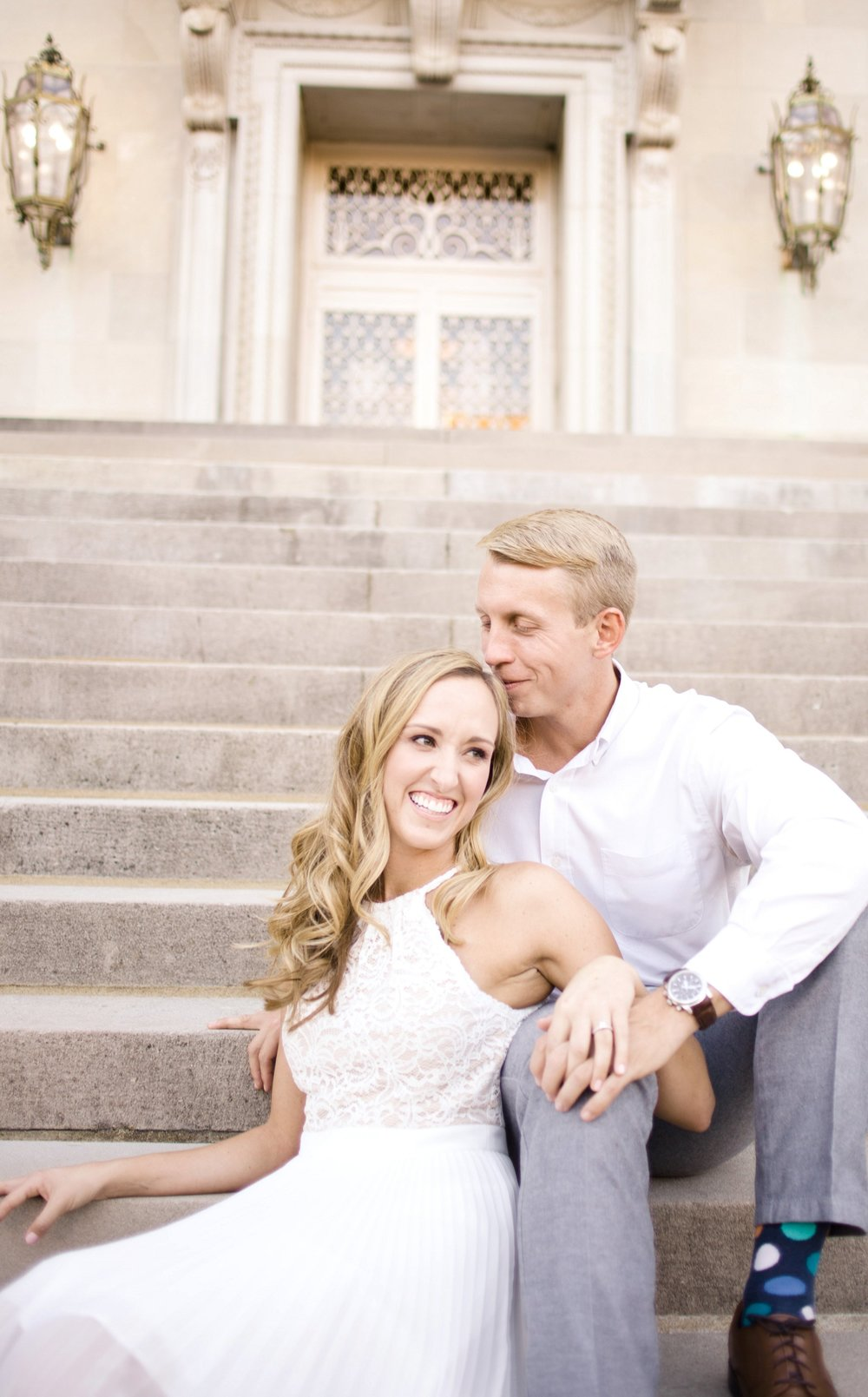downtown-engagement-session-columbia-sc-state_house-photos_0002.jpg