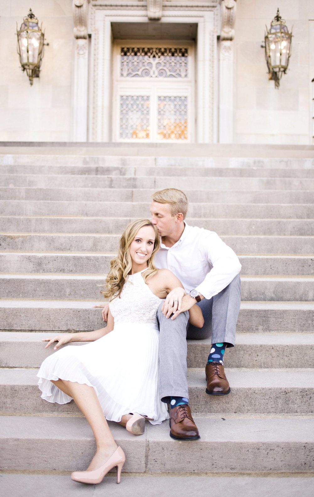 downtown-engagement-session-columbia-sc-state_house-photos_0005.jpg