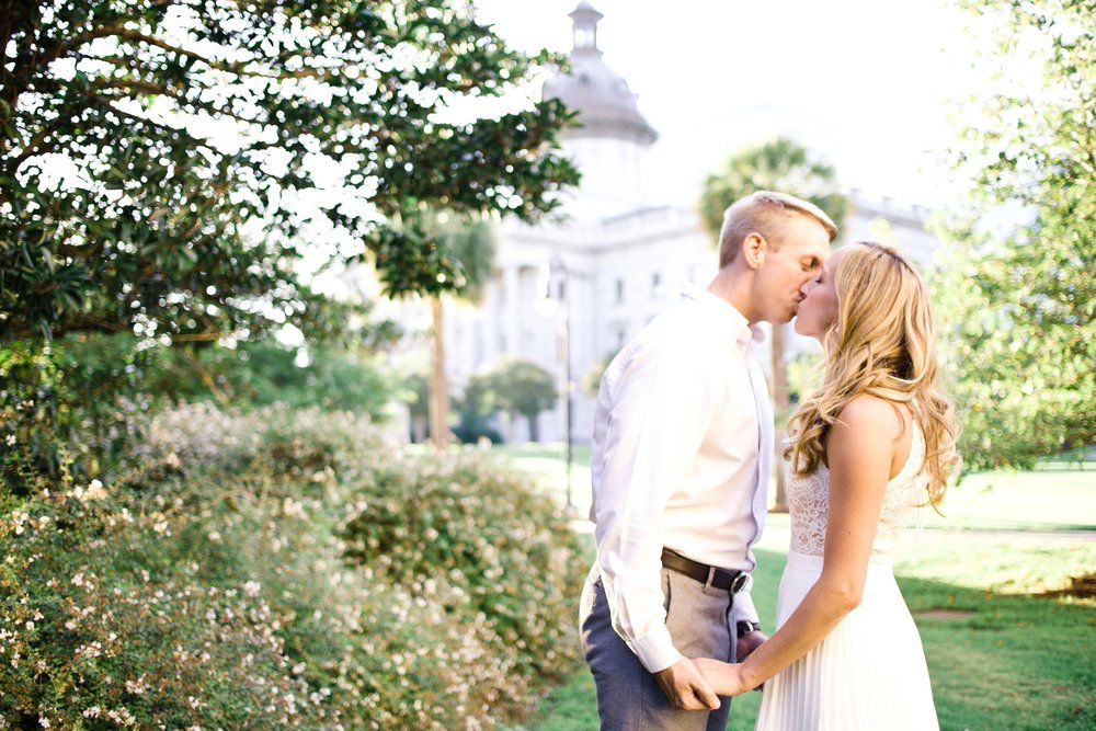 downtown-engagement-session-columbia-sc-state_house-photos_0006.jpg