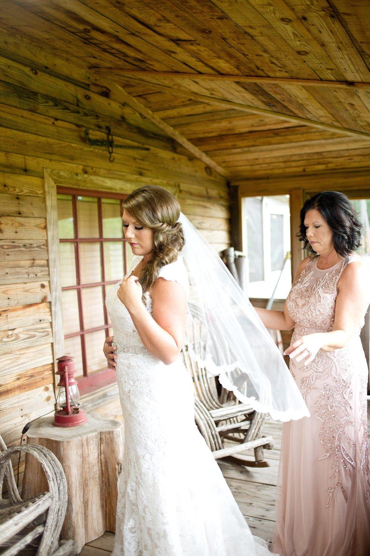 blush-mint-hidden-acres-wedding-marion-sc-photos_0081.jpg
