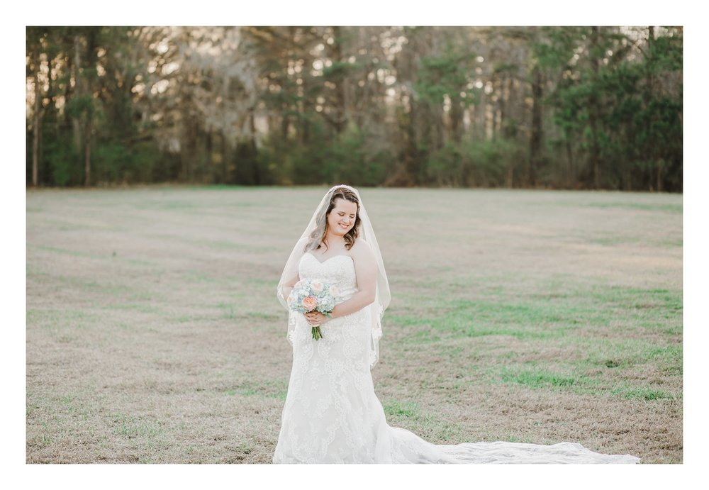 winter-lowcountry-lace-gown-bouquet-newberry-sc-bridal-photos-_0004.jpg