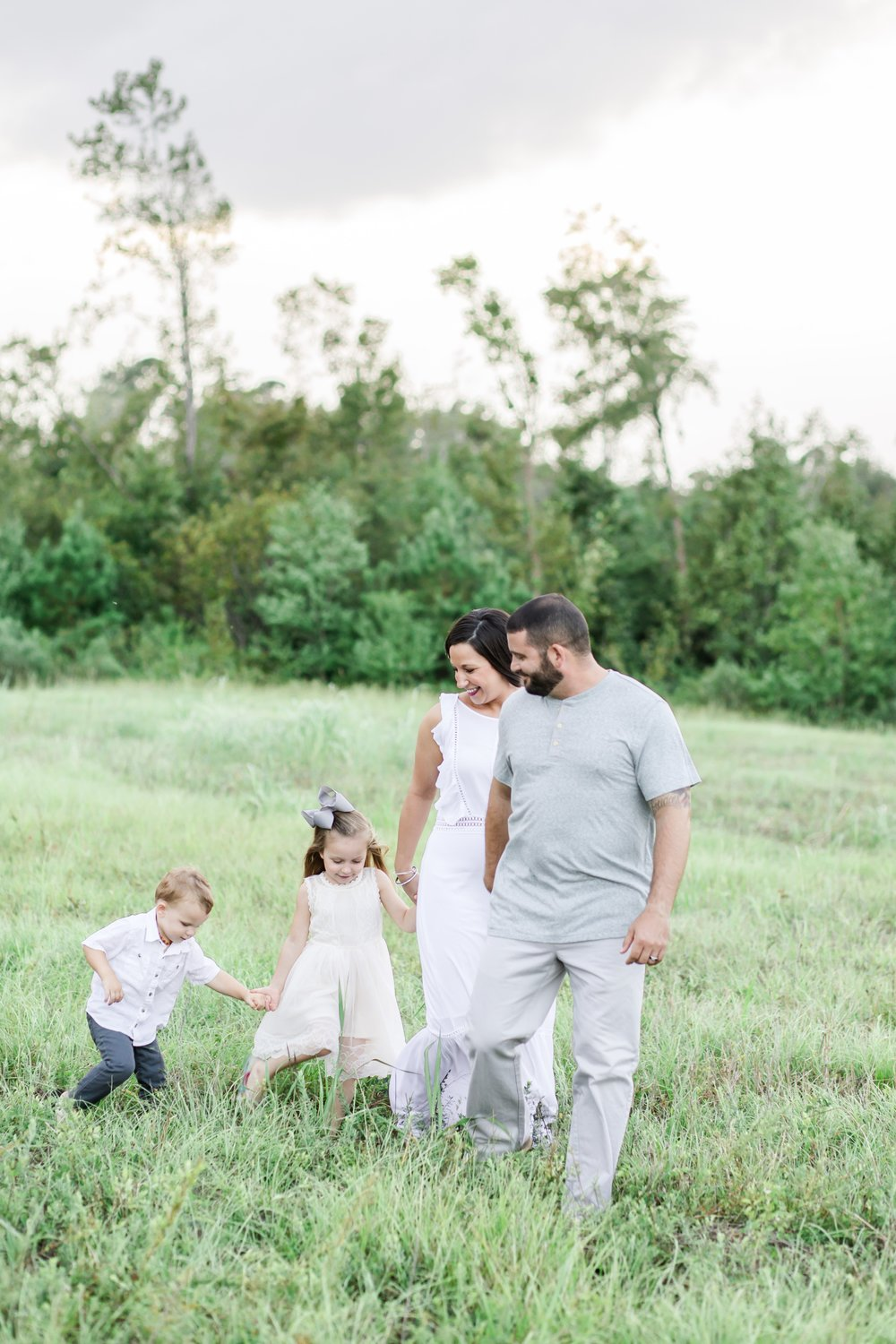 family-of-4-field-lowcountry-fall-family-session-conway-sc_0047.jpg