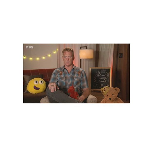 CBeebies Bedtime Stories courtesy of Josh Homme. Highly, highly pleasing......... #bedtime #stories #bedtimestories #mummyporn #zog #sweetdreams #queensofthestoneage #joshhomme