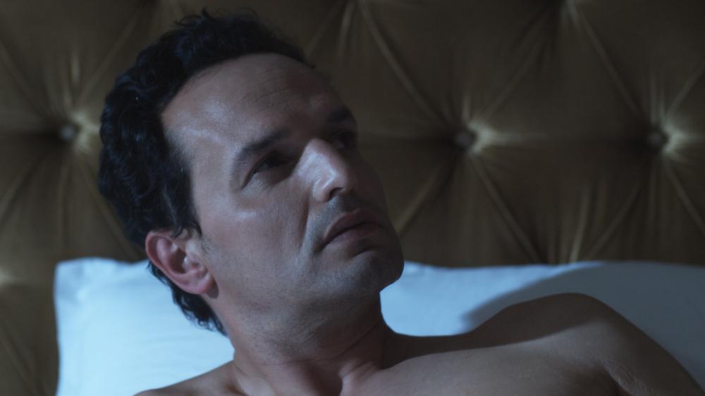 Brando dans le lit.jpg