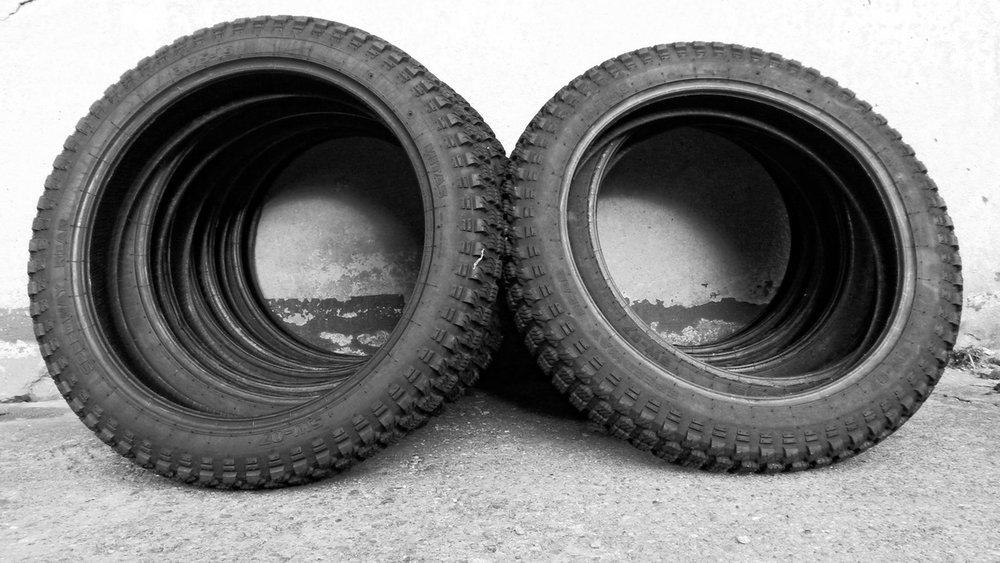 tyre-rubber-81525.jpeg
