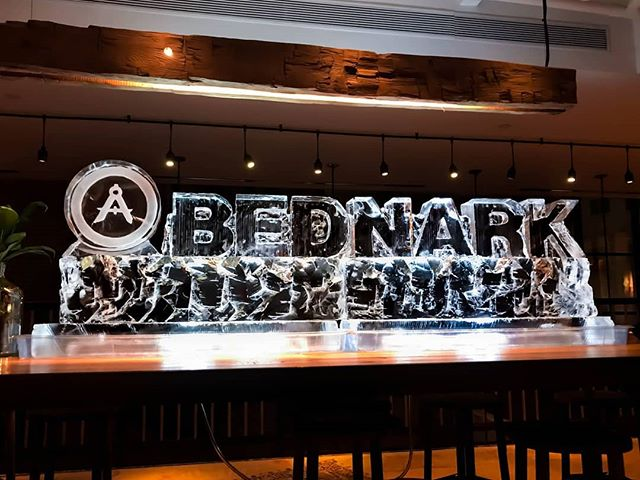 We worked with Bednark Studio in Brooklyn, NY, which is a studio that builds brand experiences. Check them out at builtbybednark.com . . .  #ice #icesculpture #bednarkstudio #builtbybednark #logo #logosculpture #corporate #corporateevent #event #eventinspiration #wedding #words #cool #unique #branding #eventplanner #corporateeventplanner #corporateeventinspiration #batmitzvah #barmitzvah #birthday #wedding #design #sculpting #sculpture #brand #weddingideas #party #partyinspiration #eventideas