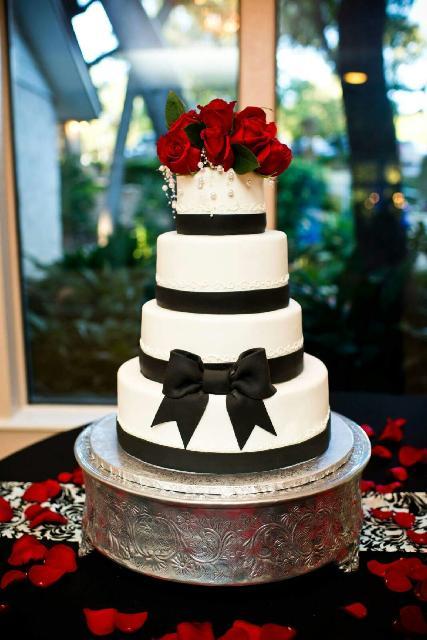 Black Bow Cake.jpg