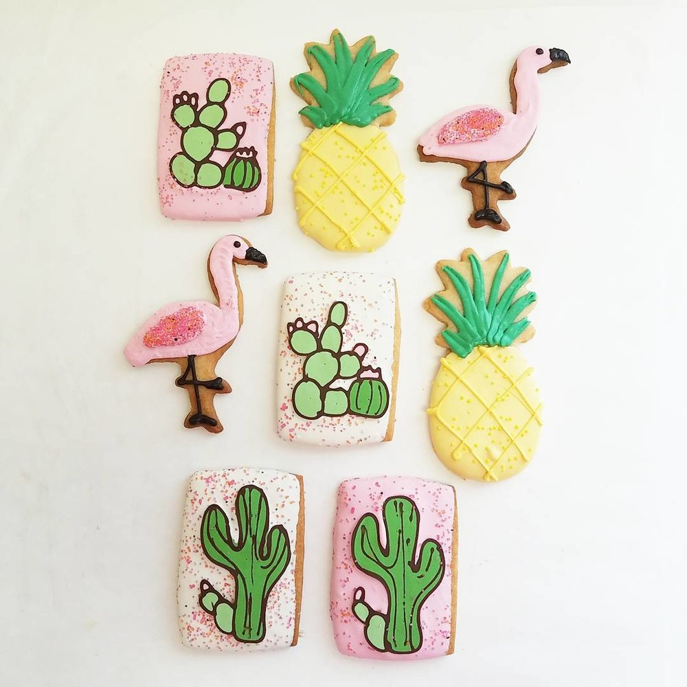flamingo cookies.jpg
