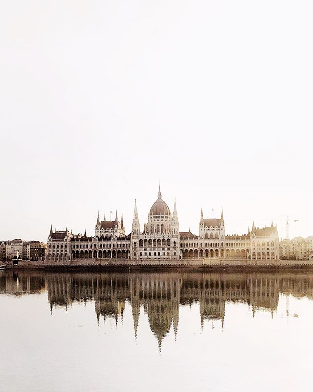 Parliament, beautiful piece of architecture! #parliament #budapest #hellomonument #pest #buda #danube #reflection #water