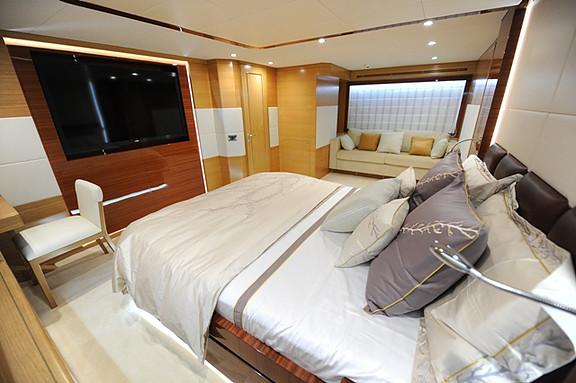 006 – Gulf Craft 75 ft.jpg
