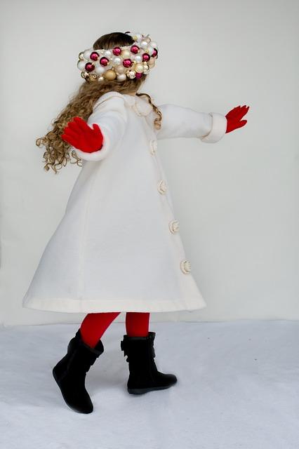 little-girl-1927449_640 dancing pixabay.jpg