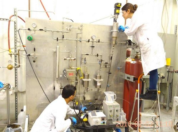 连续流动 HTL/HDO 反应器系统(10 ml/分钟),用于生产和升级生物原油