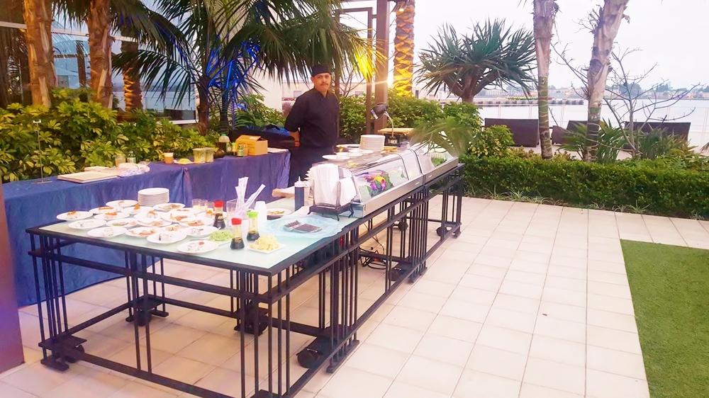 Live Sushi Station - Hilton Bayfront