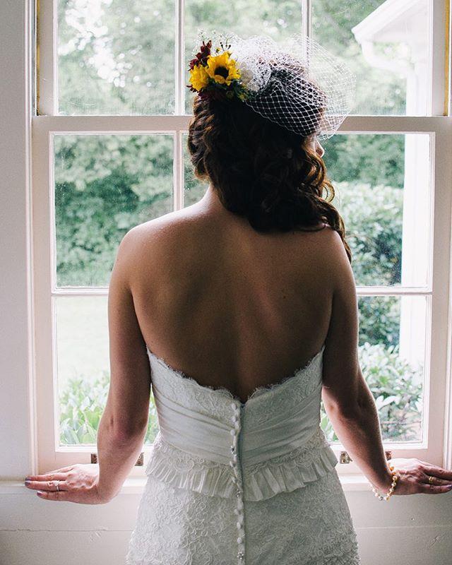 #bride #pretty #wedding #newlywed #gettingmarried #weddingphotography #photograpphy #flowers #weddingday #weddingdress
