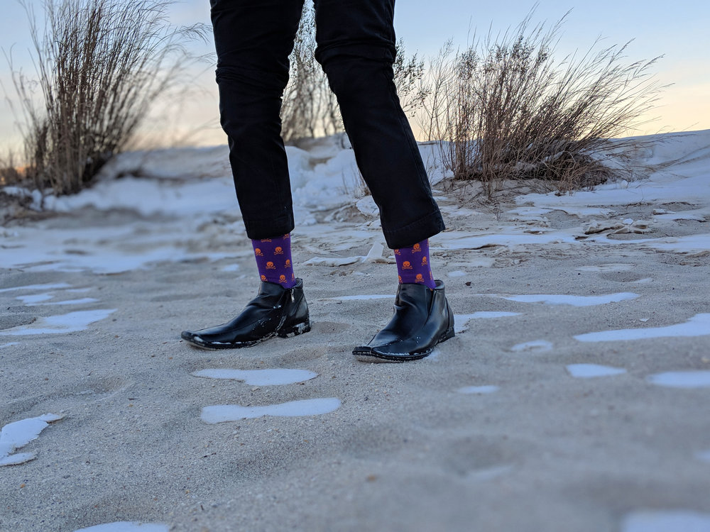 Skull n' bones style from Drake & Hutch - Photo Credit: The Sock Review