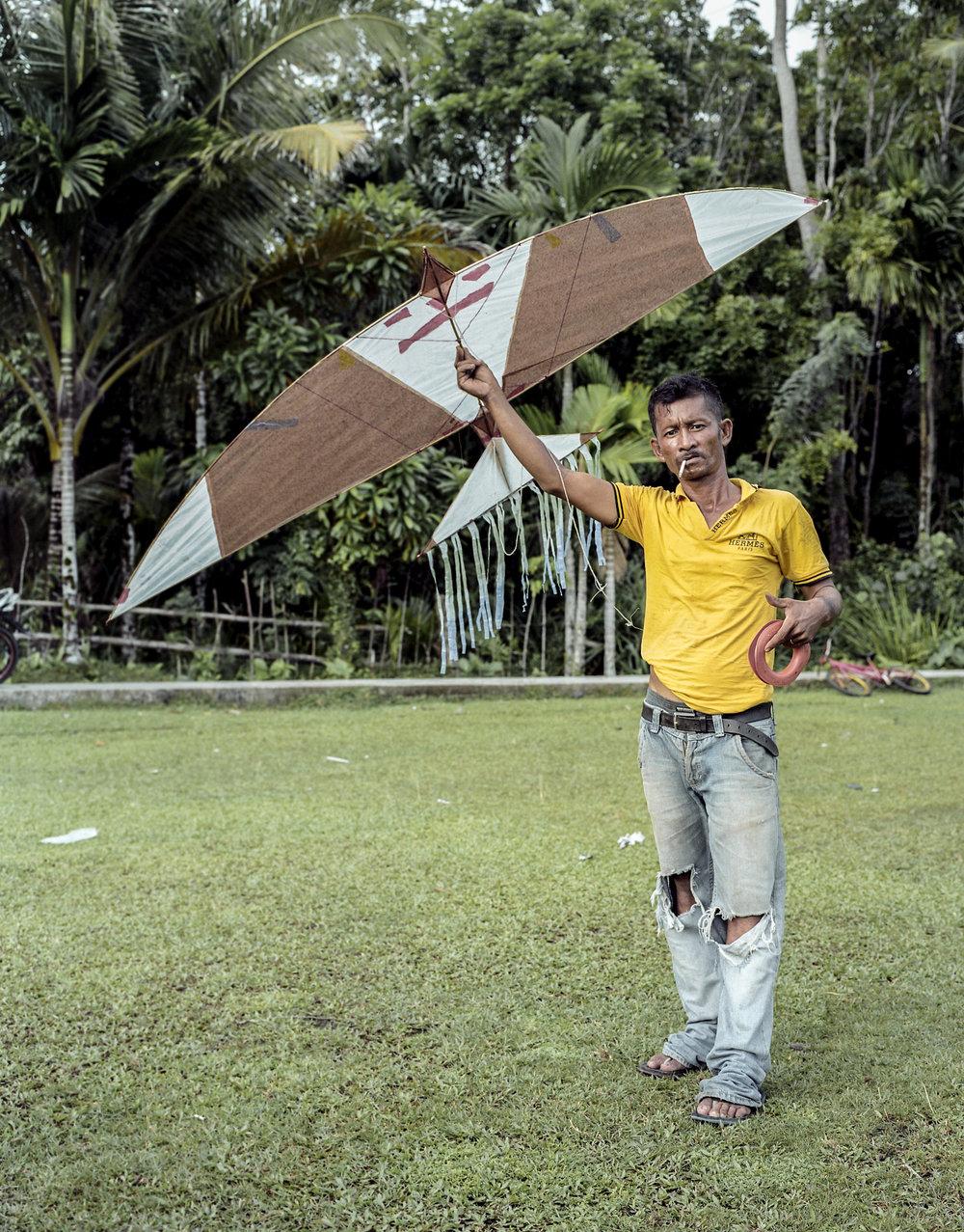 indo.kites266.jpg