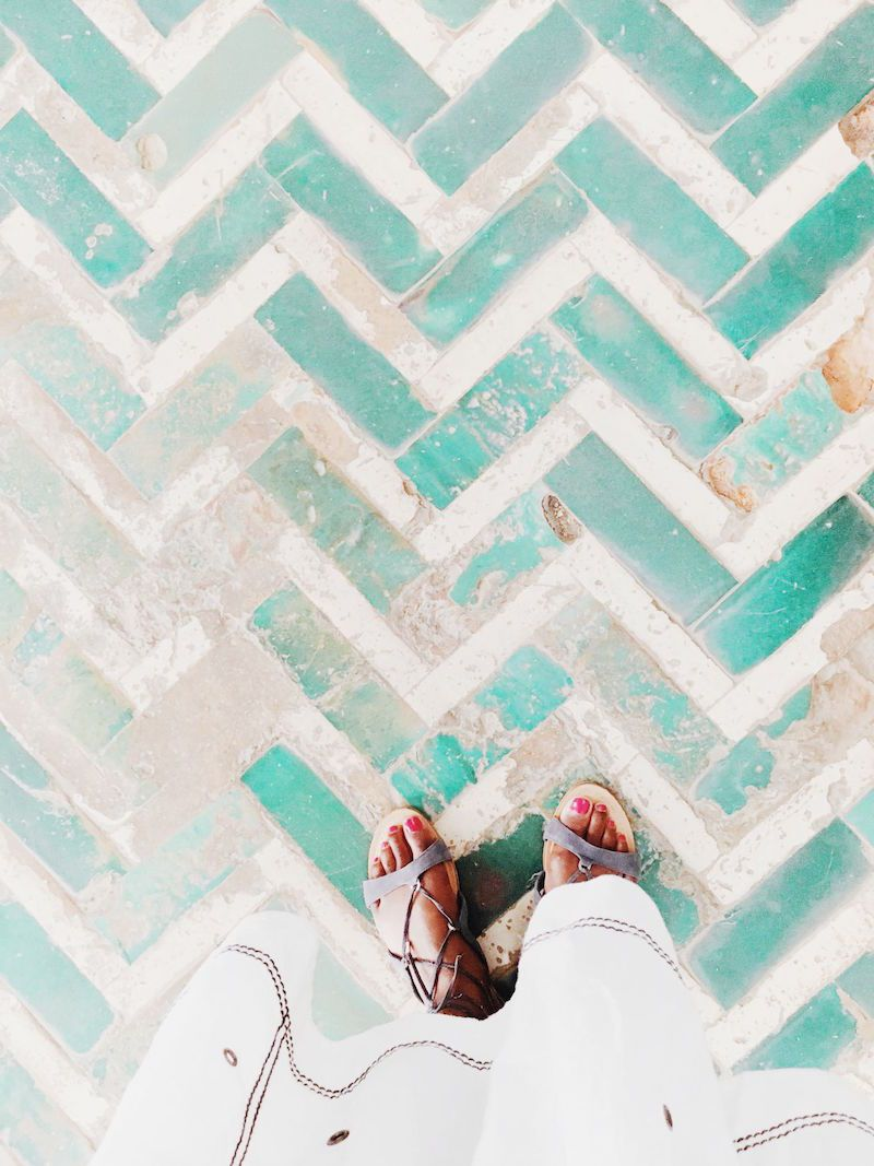 alcazar-de-sevilla-cococozy-travels-sevilla-spain-herringbone-stone-floors.jpg