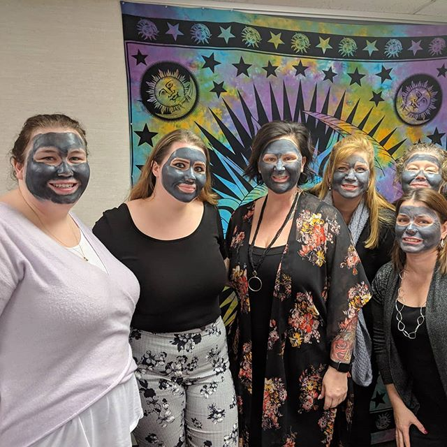 Party time at The Pink Studio. #marykay #charcolmask @ellensmarykaylife