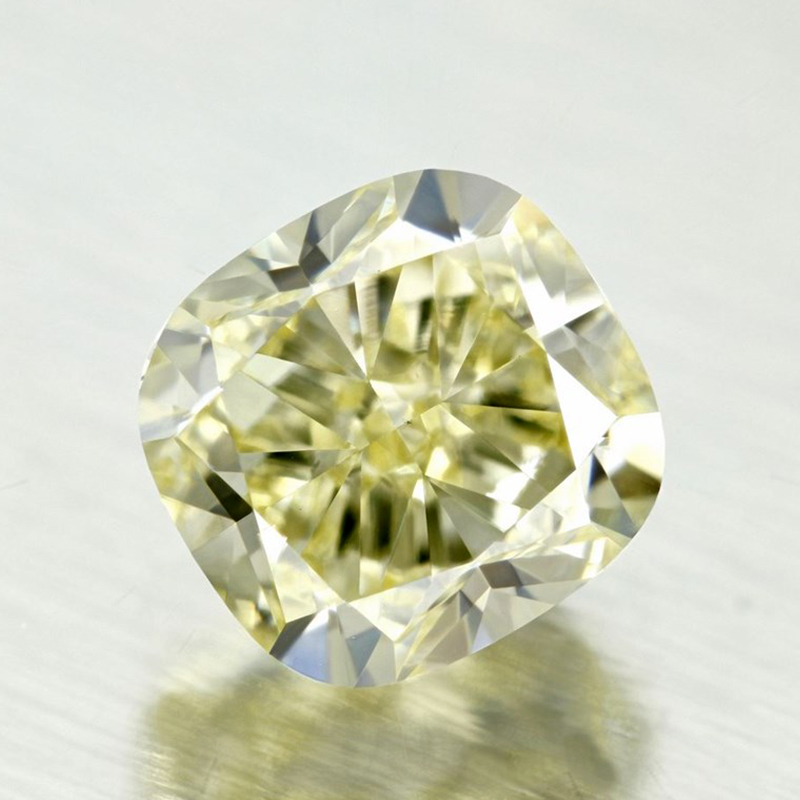 light-coloured-yellow-diamond