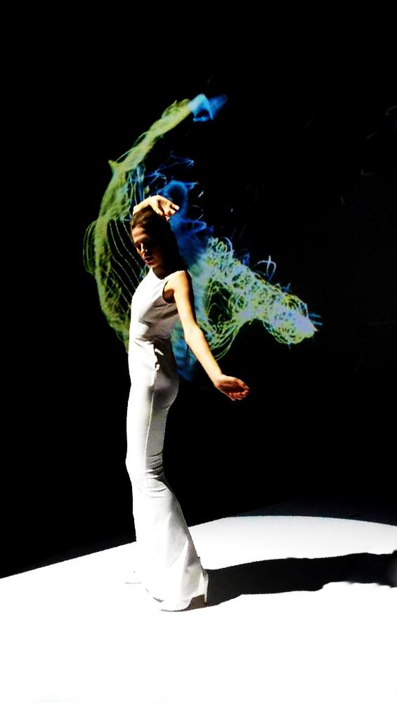 Fashion-Show-Kinect.jpg