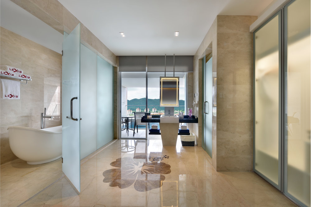 EC. Accommodation - Executive Pool Suites_Bathroom.jpg