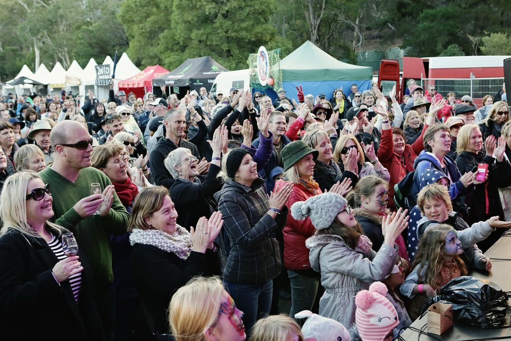 crowds_Kate Ceberano2.jpg