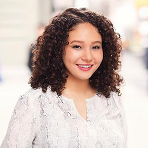 Mia Foster - Social Media & Marketing Strategist
