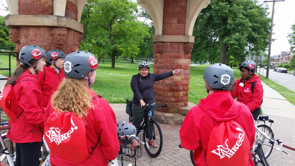 On a How We Roll ride, OSU's 2015–2016 First Year Peer leaders how to ride city streets.