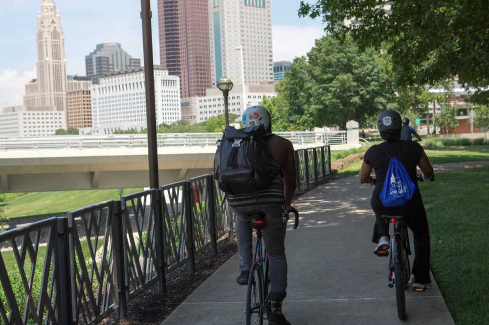 Riding the path into Downtown from Scioto Audubon Metro Park. Photo credit: Ben Ko