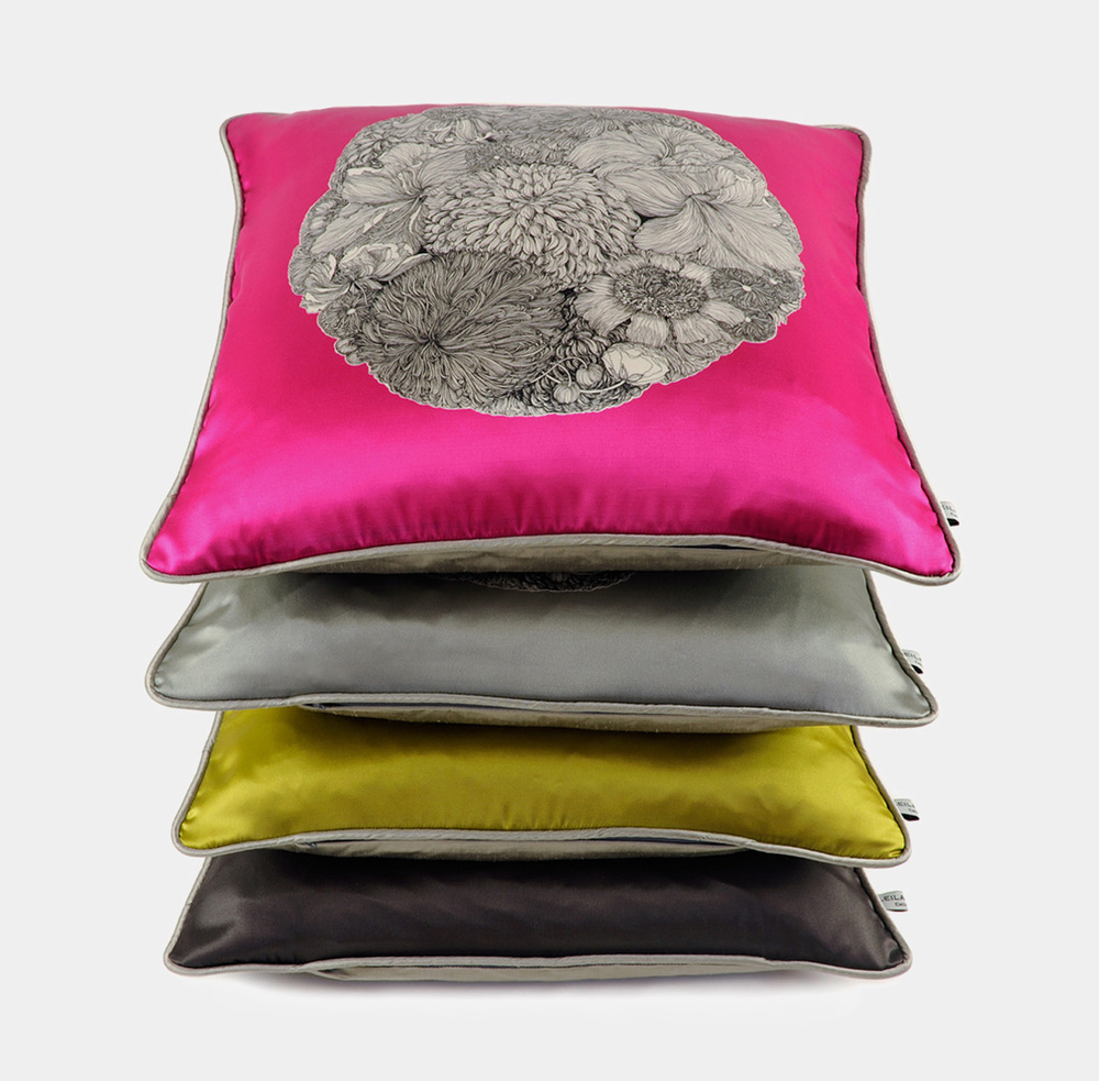 Amaryllis Botanic Cushion