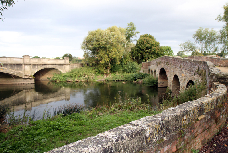 Old Bridge, Pershore, Worcs