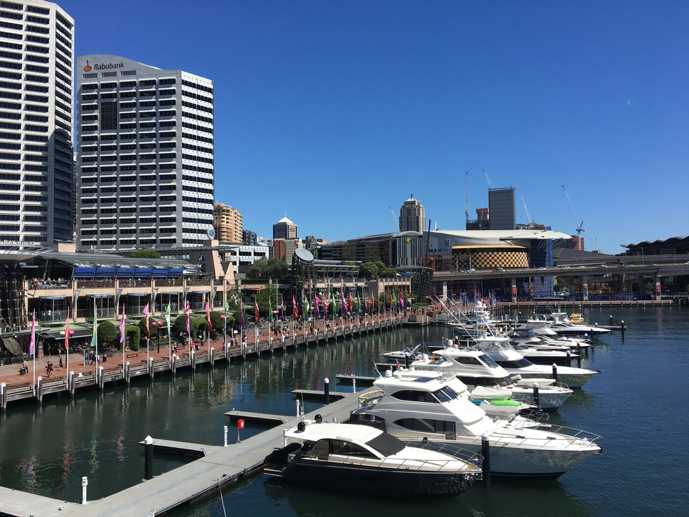 Lively bars & restaurants along the waterfront