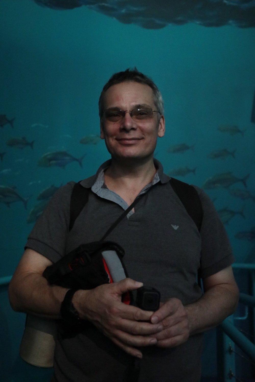 Lee at the aquarium