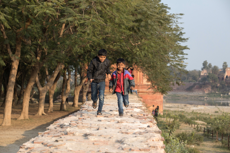Running boys, Agra, Uttar Pradesh, India